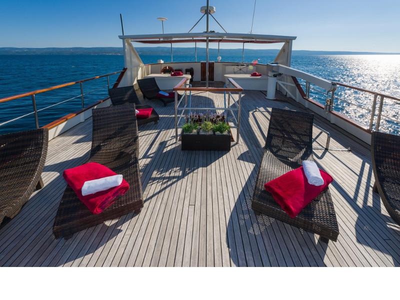 Motor yacht Korab 15