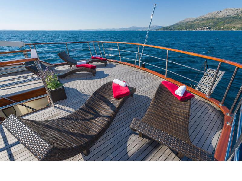 Motor yacht Korab 16