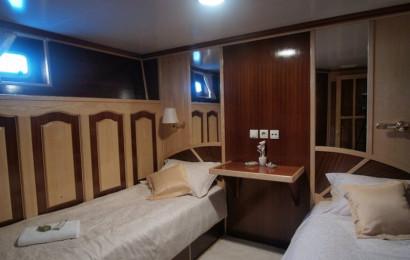 Motor yacht Korab