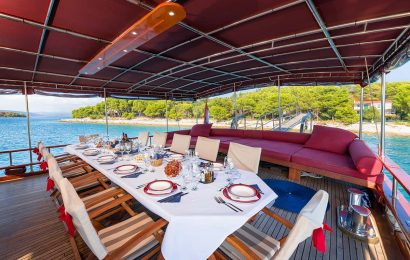 CROATIA Aft deck