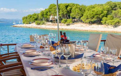 CROATIA Table decor (2)