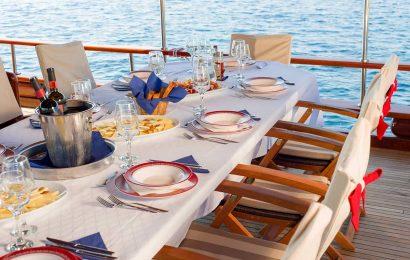 CROATIA Table decor